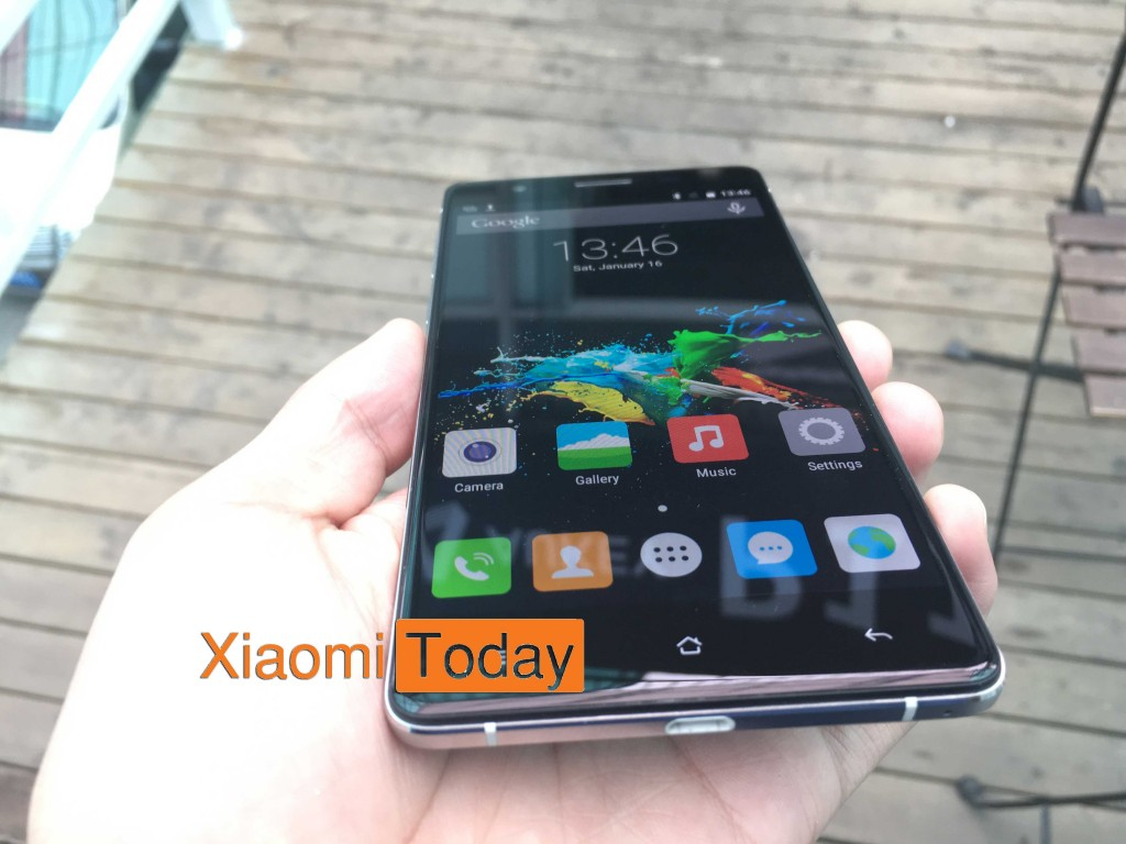 Front face of Cubot S550 in hand
