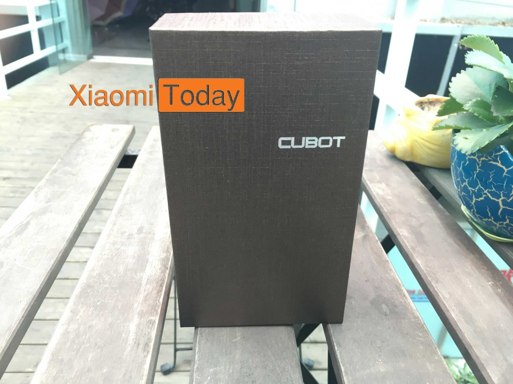 Box packaging of the Cubot S550