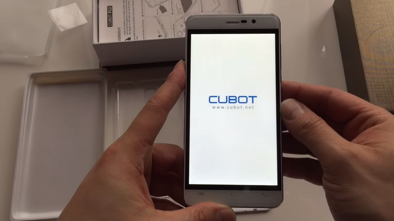 Cubot P12 display