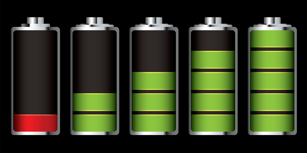 UIMI U5 five batteries with different charges and colors green and red.