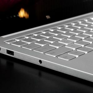 xiaomi-notebook-air-13-inch-side-view