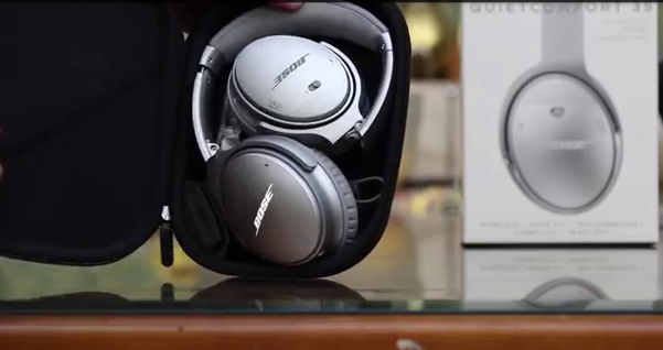 Bose QuietComfort 35 Headphones Package