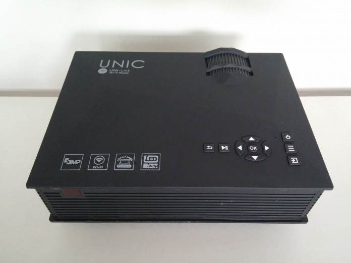 UNIC UC46 LCD Projector Review - Design