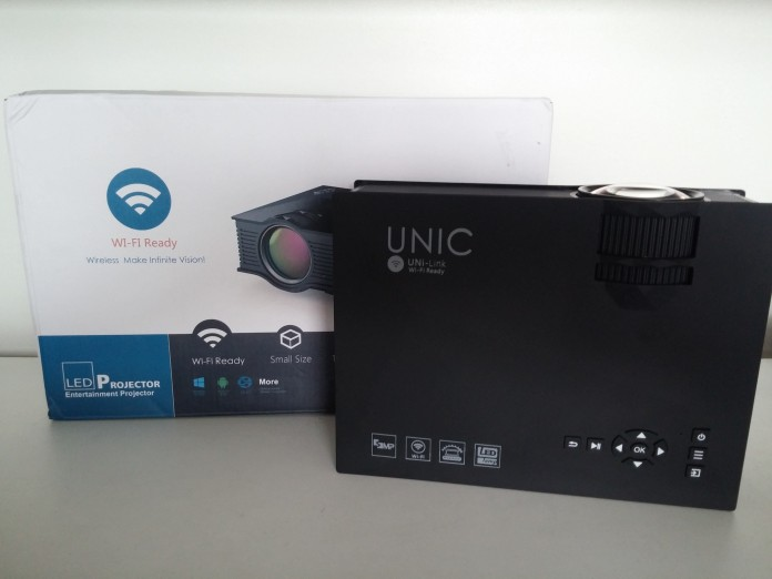 UNIC UC46 LCD Projector Review - Packaging