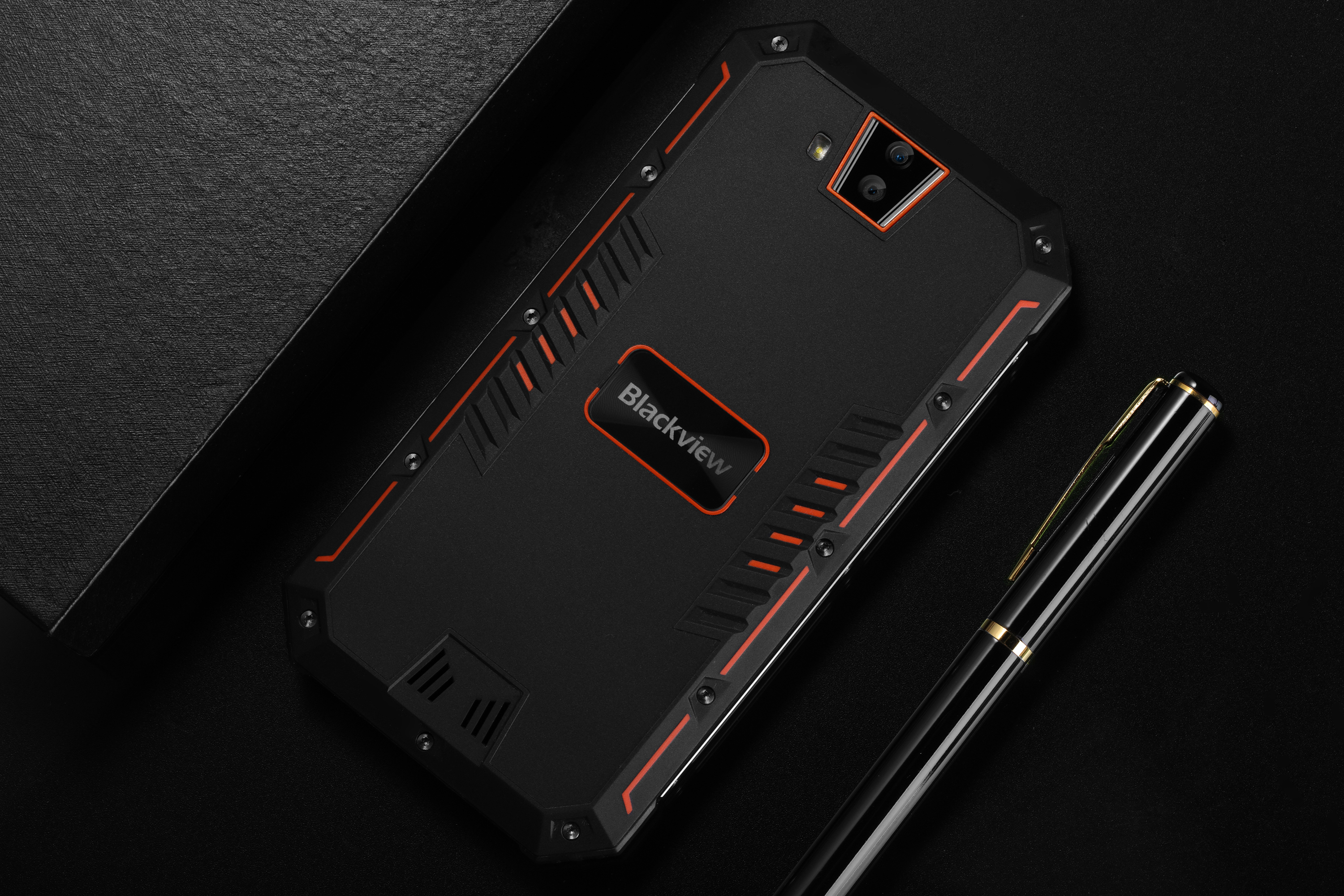 Blackview BV4000, A Rugged Smartphone With An Amazing Design Leaks