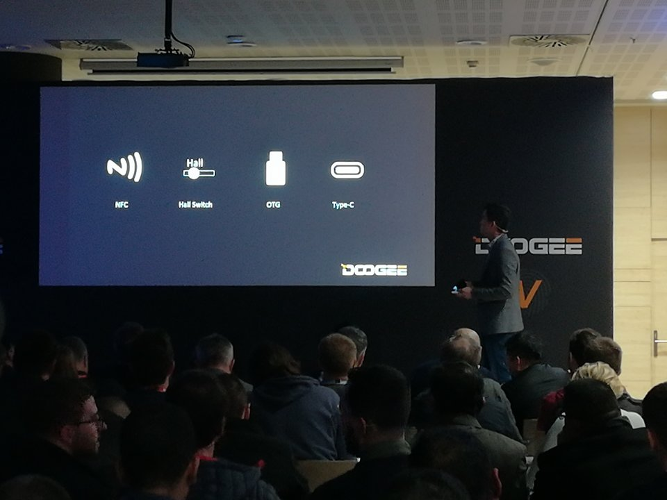 Doogee V Interfaces