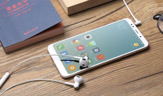 ba1345c73c4 Xiaomi Launches Mi Dual-Unit Half-Ear Headphones With Ceramic Body For ¥69  ($10)