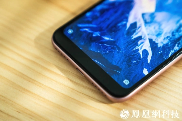 How does the Xiaomi Redmi 6 Pro looks?