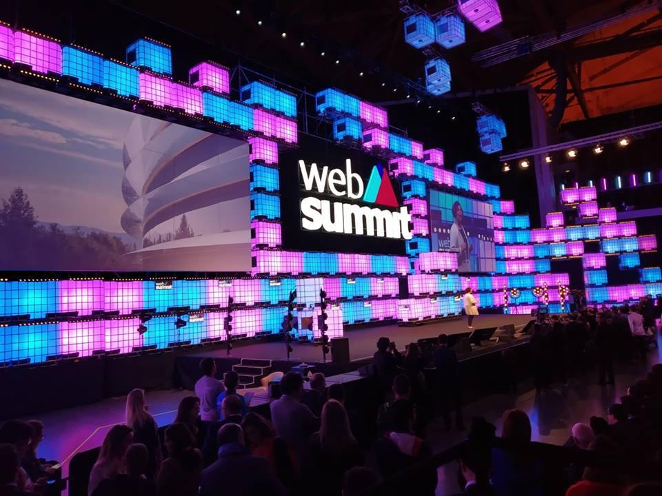 Web Summit Apple
